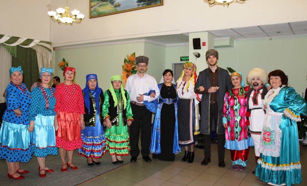 Участники танцевальных коллективов