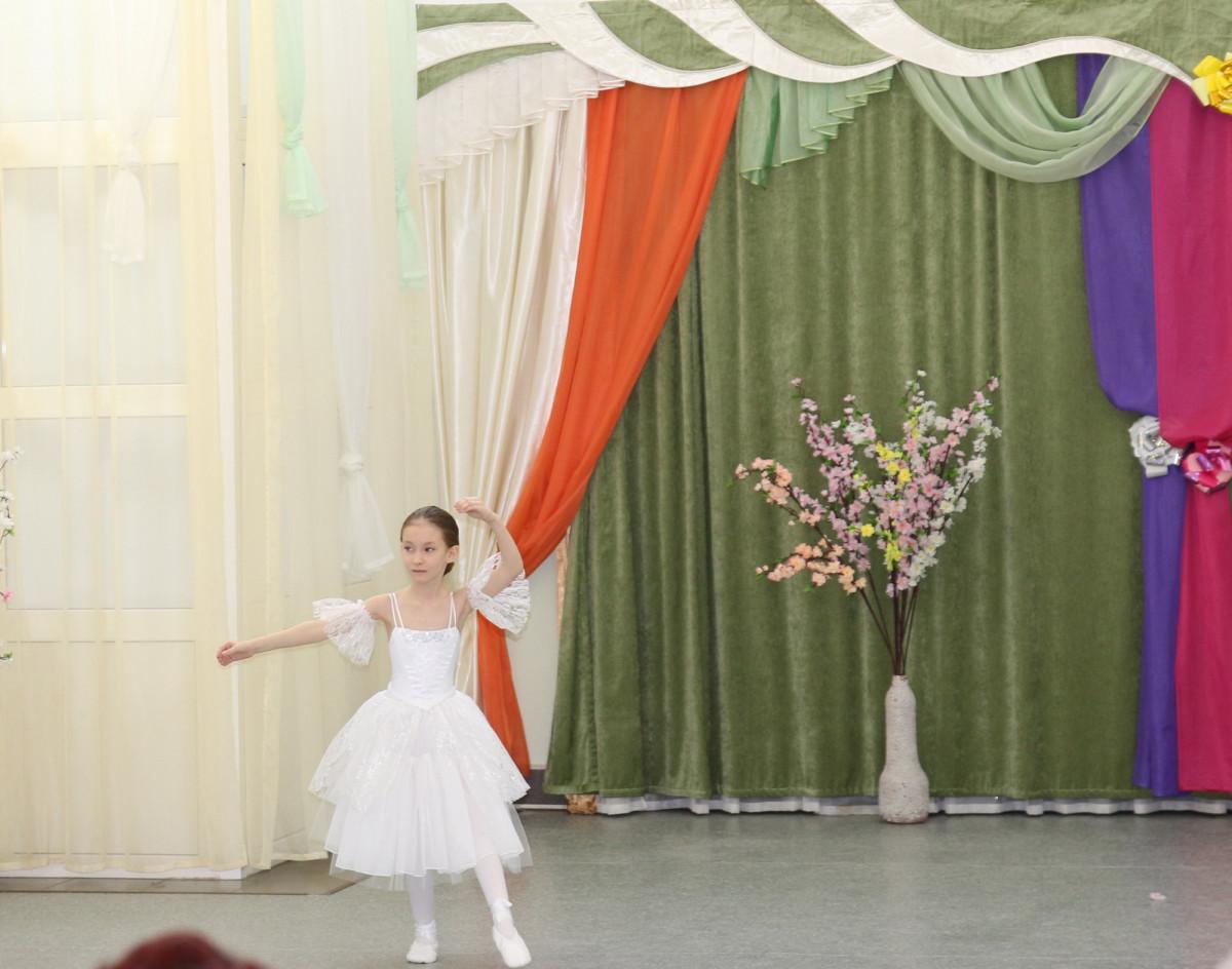 Концерт, посвященный Международному женскому дню. Концерт. Детский танцевальный номер.